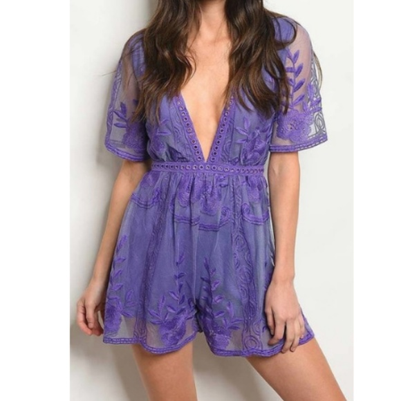 e091f446307 SHORT SLEEVE EMBROIDERED DEEP V LACE ROMPER